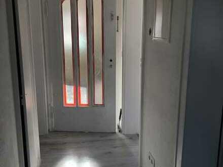 Erstbezug nach Sanierung Exklusive 3- Zimmerwohnung in Langensteinbach mit riesigem Garten
