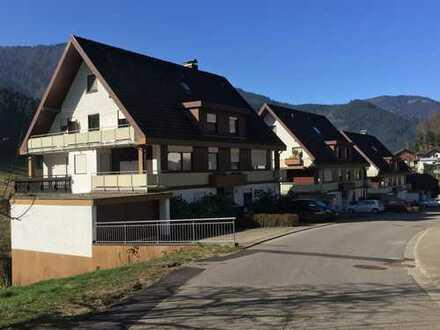 Sonnige 2-Zimmer-DG-Wohnung in Simonswald