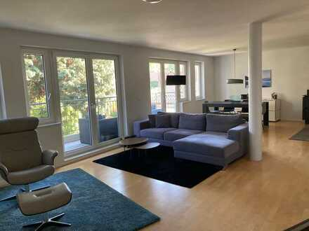 Loftartige 3,5-Zimmer-Wohnung mit 2 Balkonen und Garagenstellplatz in Köln-Lövenich