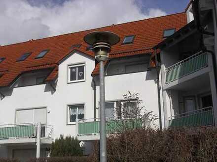 Gepflegte 3-Zimmer-Maisonette-Wohnung mit Balkon und Einbauküche in Dasing