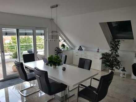 Nachmieter gesucht!Exclusive 3-Zimmer-Penthouse-Wohnung mit Balkon und EBK in Oberhausen-Rheinhausen