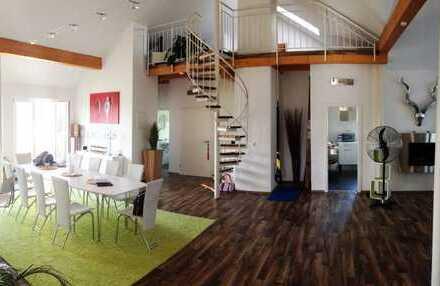 Sensationelle 5-Zimmer-Wohnung (über 180 qm Grundfläche) mit Galerie und großer Dachterrasse