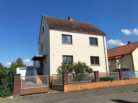 Provisionsfrei!!! Sanierungsbedürftiges Einfamilienhaus mit tollem Grundstück!!!