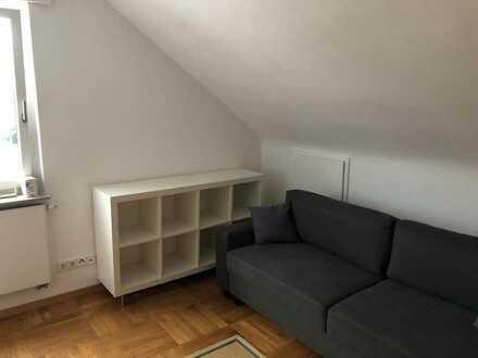 Möbliertes Zimmer mit WC und sep. Bad (ideal für Pendler/Studi)
