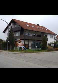 Gepflegte 2-Zimmer-Wohnung mit Balkon und neuwertiger Einbauküche in Etzenricht