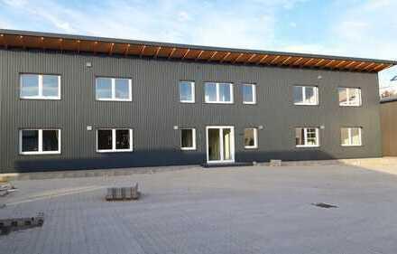 Halle 205 qm, Büro 75 qm,Neubau, bei Möbelhaus Finke/Höffner, an der A1