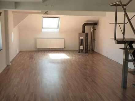 Perfekt für junge Familie: 4,5 Zimmer Wohnung Galerie & Dachterrasse (sofort frei)