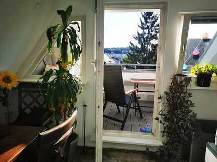Zwischenmiete August-Oktober - Lichtdurchflutete 2-Zi-Dachgeschosswohnung mit Balkon S-Zuffenhausen