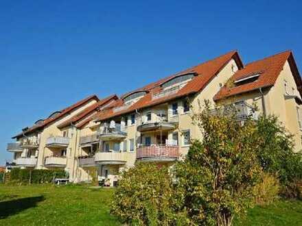 Ruhig gelegene 3-Raum-Wohnung mit Terrasse und Gartenanteil, Tiefgarage, Gäste-WC, Abstellraum etc.