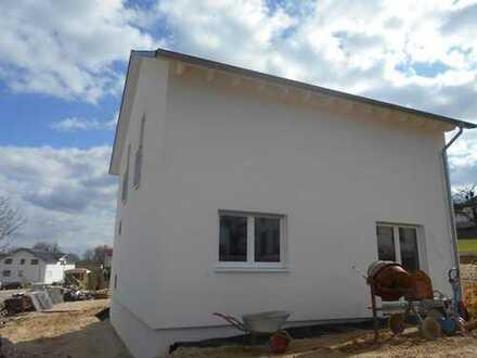 NEUMANN- Schönes, neuwertiges Einfamilienhaus zu verkaufen