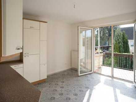 Sonnige 3-Zimmer-Wohnung mit Südbalkon und EBK in Bickendorf