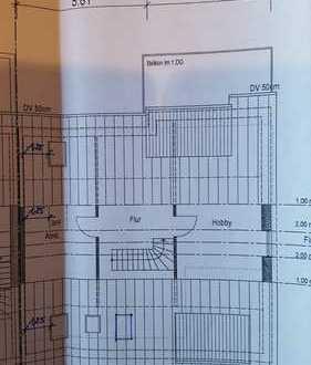 Neuwertige DG-Wohnung mit drei Zimmern sowie Balkon und EBK in Unterensingen