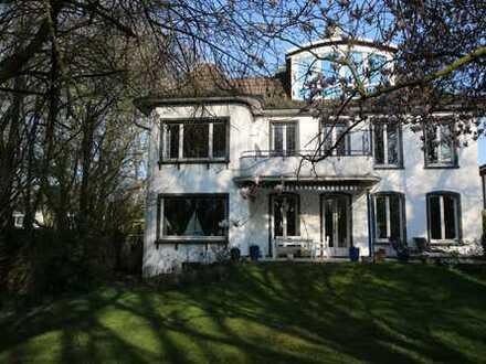 Repräsentative Villa in der südlichen Gartenstadt