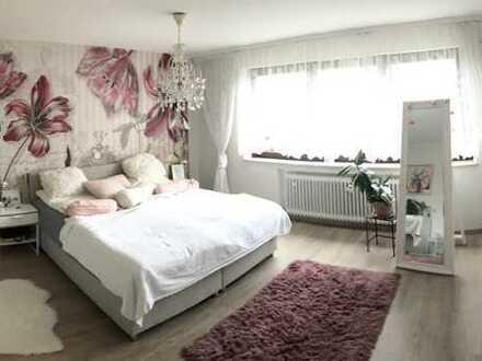 Gepflegte Terrassenwohnung mit zweieinhalb Zimmern mit Garten und Einbauküche in Gaildorf