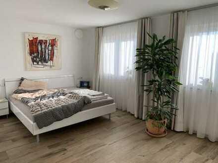 Moderne Traum-Doppelhaushälfte mit Garten und fünf Zimmern in Heilbronn (Kreis), Lauffen am Neckar