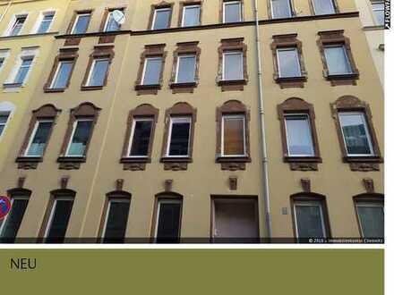 Sanierungsbedürftiges Mehrfamilienhaus im Sanierungsgebiet