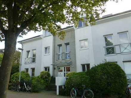 St. Tönis: Helle 2-Zimmer-Wohnung mit offenem Küchenbereich und Balkon!