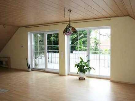Helle Dachgeschosswohnung in guter Lage in Mainhardt