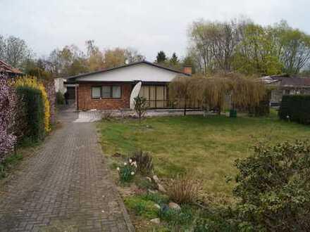 Schöner 3-Zimmer-Bungalow mit großem Garten in Altglienicke, Berlin für 2-3 Jahre zu vermieten