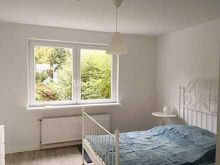 Erstbezug nach Sanierung - freundliche 2-Zimmer-Wohnung mit Terrasse - MEinswarden!