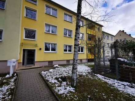 helle 5 Zimmer Wohnung auf 76,78 m² mit großem Garten und Balkon