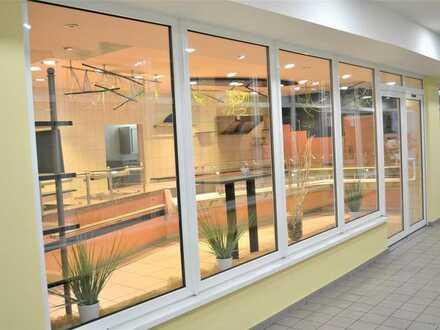 Attraktive Ladeneinheit zur vielseitigen Nutzung mit Stellplatz in Wendelstein. Auch als Büro nutzba