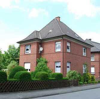 Für Altbauliebhaber: helle 4,5 Zimmer Wohnung im Herzen Warendorfs mit Garten