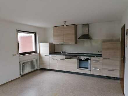 Gepflegte 2-Zimmer-Erdgeschosswohnung mit Terrasse und großer Wohnküche in Engen