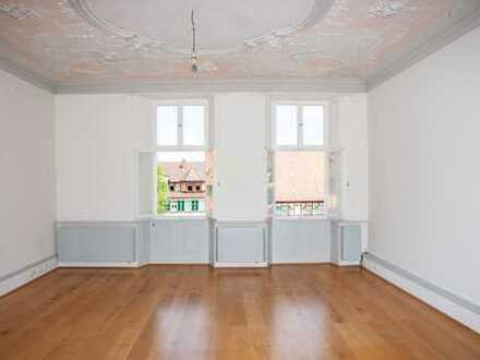 Topsanierte 3-Zi.-Wohnung in einem außergewöhnlichen barocken Stadthaus zu vermieten