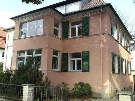 Geräumige 4-R-Wohnung in kleinem MFH in ruhiger Lage