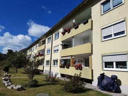 Sonnige 2-Zimmer Eigentumswohnung mit großer Wohnküche und PKW-Stellplatz in Neugablonz!