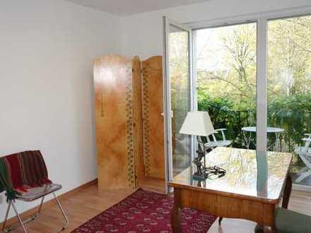 Von privat: Stilvolle, besonders schön gelegene 3-Zimmer-Wohnung mit 2 Balkons in Darmstadt-Mitte