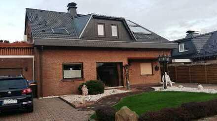 IMMOKONZEPT-NIEDERRHEIN: RESERVIERT !! 2-Familienhaus-2 Garagen-Wintergarten