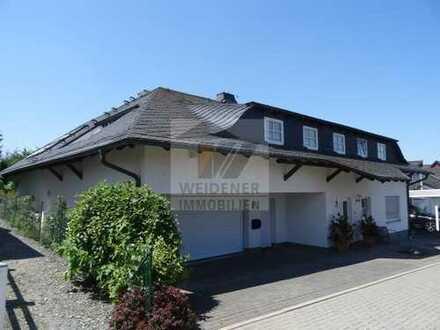 Repräsentatives Einfamilienhaus mit Garten, Doppelgarage und Poolhaus!