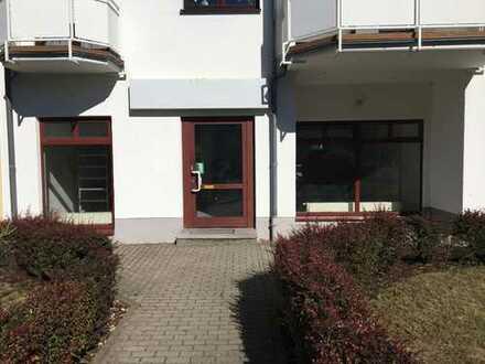 Frisch renoviert! Büro Praxis Verkaufsfläche Café in Dietzenbach-Stadtmitte (provisionsfrei)