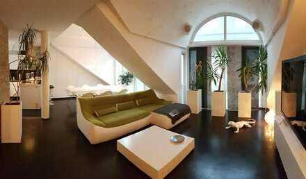 Exklusive, modernisierte und teilmöblierte 2,5-Zimmer-Wohnung mit Balkon und Einbauküche in Langen