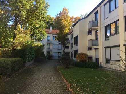 Ruhig gelegene Eigentumswohnung mit Tiefgaragenstellplatz im Münchener Süden!