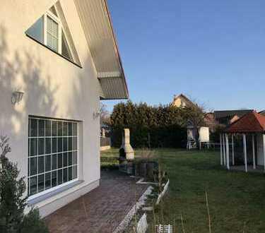 Doppelhaushälfte mit großem Garten in Berlin-Staaken *TOPLAGE*