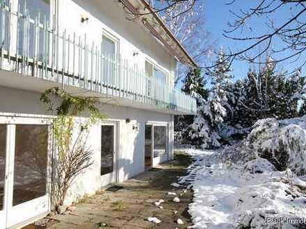Mehrfamilienhaus mit Doppelgarage, Bergblick, Balkonen und Terrasse - in Buchenberg