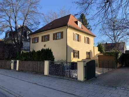 3.350 €, 159 m², 7 Zimmer