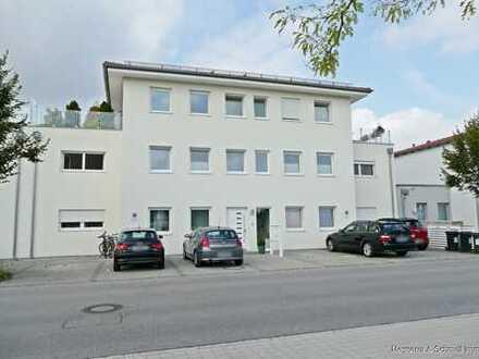Neubaustandard: Wunderschöne 2-Zi.-Wohnung mit grandioser ca. 30 m² großer Süd-/ West-Dachterrasse