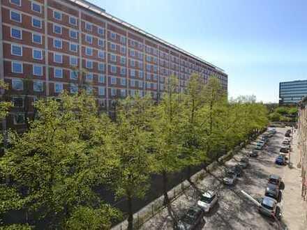 Gelegenheit in TOP-Lage an der Isar! Großzügiges, komplett neu renoviertes Appartement mit Balkon