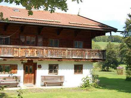 Kleinod am Tegernsee - Denkmalgeschütztes Bauernhausteil! aus dem 18 Jhd.