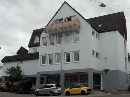 -- Schicke 3-Zimmer-Wohnung mit Terrasse in guter Wohnlage --