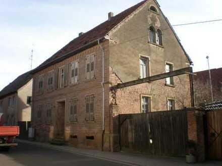 Bauernhaus mit 2 Scheunen in Kriegsfeld