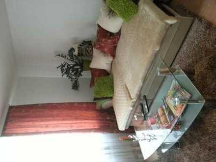 Möbliertes 14qm Zimmer mit einer Kochecke in Deutz