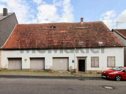 Viel Platz für das neue Familienheim: Voll erschlossenes Grundstück mit Altbestand in der Rosenstadt