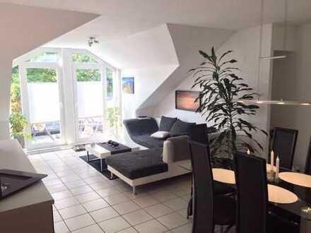 Gepflegte 2-Zimmer-DG-Wohnung mit Balkon und EBK in Marl- Sinsen
