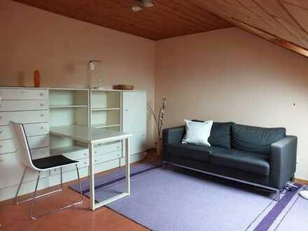 Möblierte 1-Zimmer-DG-Wohnung mit Einbauküche in Ladenburg, auf Zeit