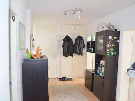 Großzügige 3 Zimmerwohnung mit EBK und Terrasse in Kelkheim-Mitte